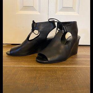 EUC Women's Ralph Lauren sandals